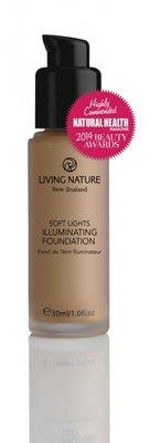 Living Nature - Illuminating Foundation: Day Glow (tht: 11-2019)