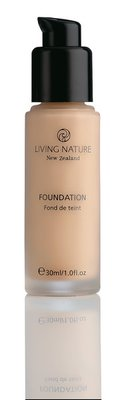 Living Nature - Foundation: Pure Buff (tht:05-2020)