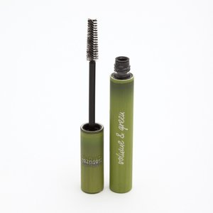 Zwarte volume mascara